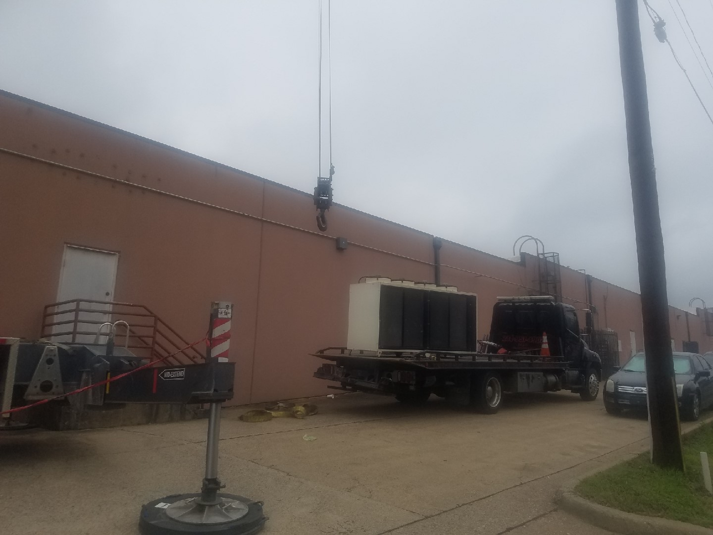 Towing Medical Chiller from Dallas to Duncanville, TX