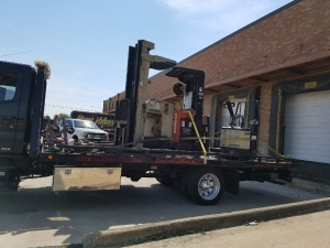 Towing Forklifts from Dallas to Fort Worth
